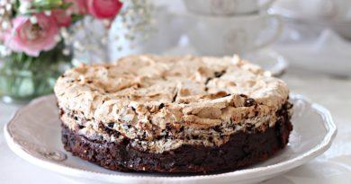 """Торт """"Павлова"""" с орехами и шоколадом"""