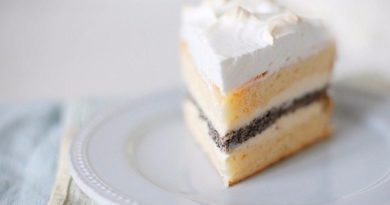 Маково-лимонный торт с творожным кремом
