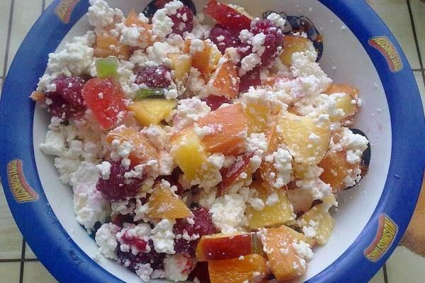 Полезный и вкусный завтрак из творога «Ягодный творожок»