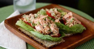 Фитнес-салат с лососем