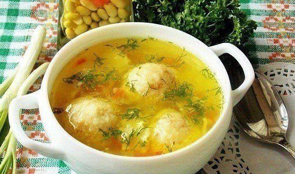5 рецептов диетических куриных супчиков.