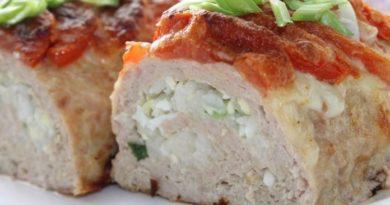 Куриный рулет с рисовой начинкой — отлично разнообразит повседневное и праздничное меню!