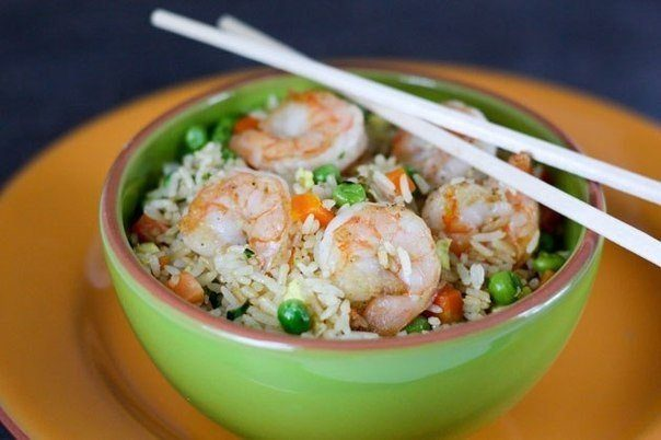 Креветки с рисом и овощами — королевский ужин!
