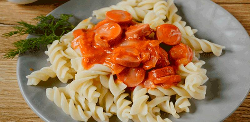 Подлива из сосисок с томатной пастой. Вкусная «обманка».