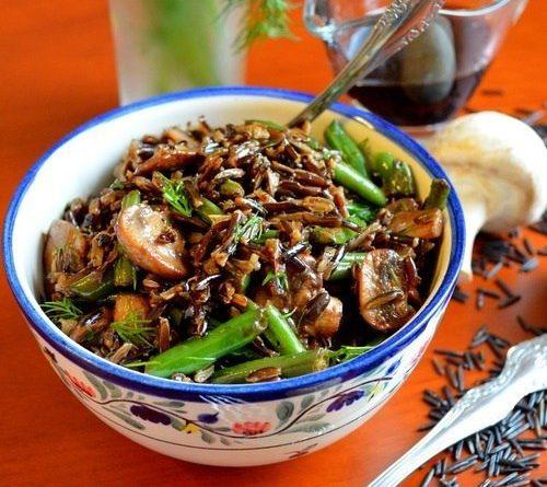Тёплый салат (с рисом грибами и фасолью)