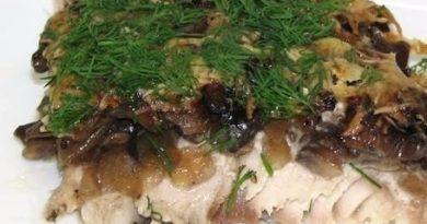 Скумбрия запеченная с грибами