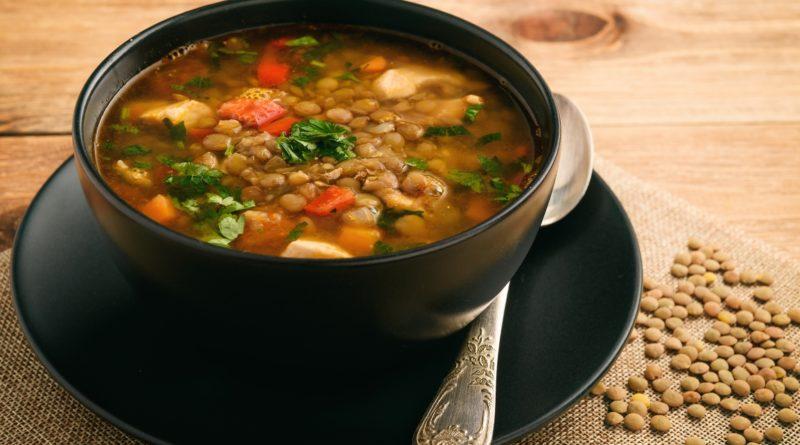 Наваристый суп с зеленой чечевицей и индейкой