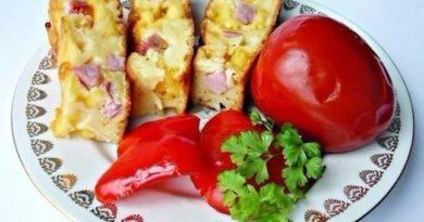 Пирог с колбасой и сыром на кефире