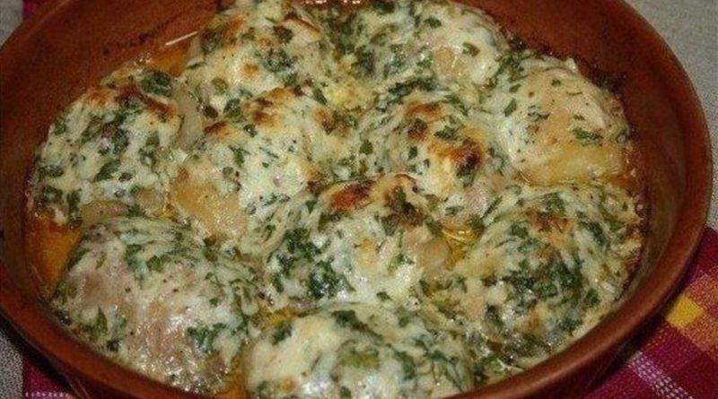 Картошка, запеченная в чесноке