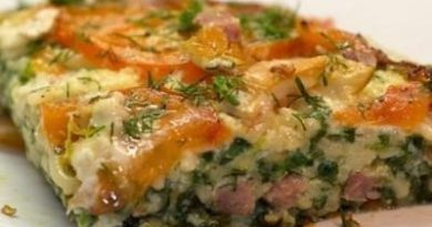 Вермишелевая запеканка с колбасой и овощами