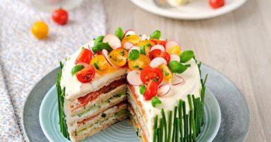 Торт с копченым лососем «Лазурный берег»