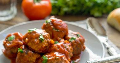 Быстрые тефтели в остром томатном соусе