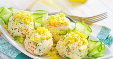 Сырные шарики с орехами: оригинальная праздничная закуска