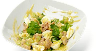 Салат из печени трески и перепелиных яиц