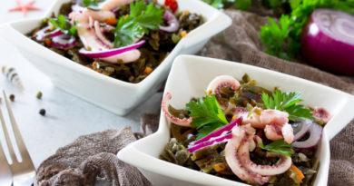 Фитнес-салат с морской капустой и кальмарами «Идеальная фигура»