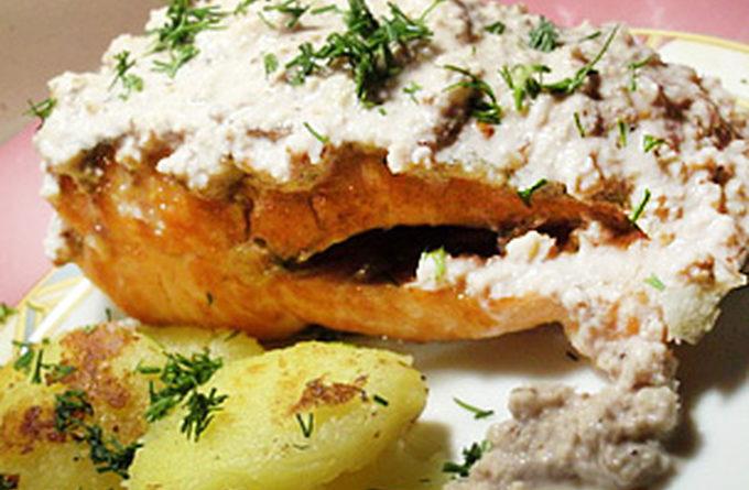 Форель в орехово-уксусном соусе