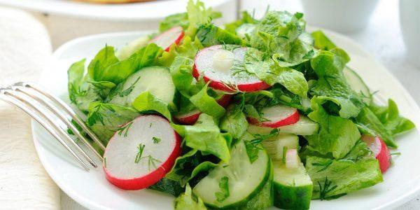 10 рецептов салатов с редиской