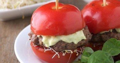 Бургер из помидора