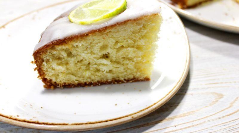 Сочный, ароматный в меру кислый рассыпчатый пирог с лаймом