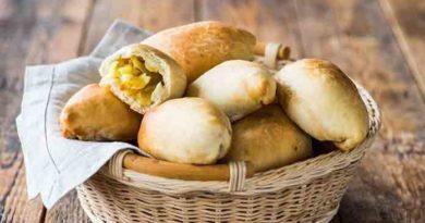Постные пирожки с картофелем готовить просто и достаточно быстро. Проверьте наше утверждение на практике