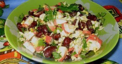 Салат с фасолью и крабовыми палочками постный