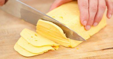 Домашний твердый сыр по очень легкому рецептику. Пробуйте