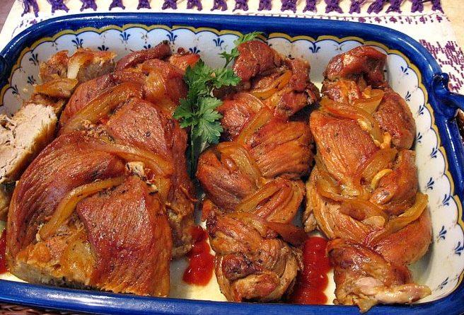 Предлагаем необычный рецепт приготовления свиной вырезки.