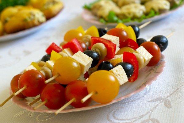 Овощная закуска на шпажках