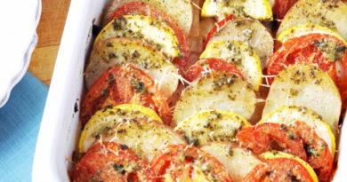 На скорую руку: кабачки, запеченные с брынзой и помидорами