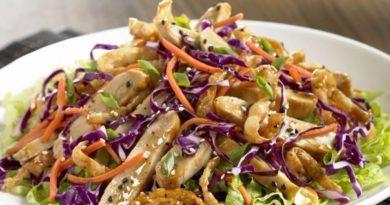 Для любителей азиатской кухни: куриный салат с сыром