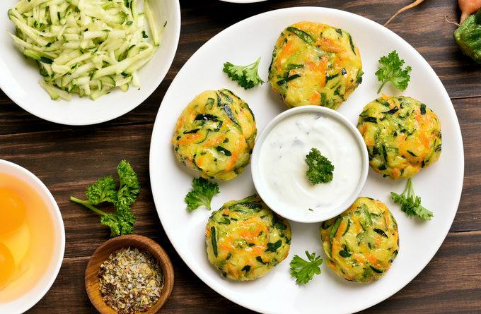 Невероятно нежные овощные котлеты с сыром фета