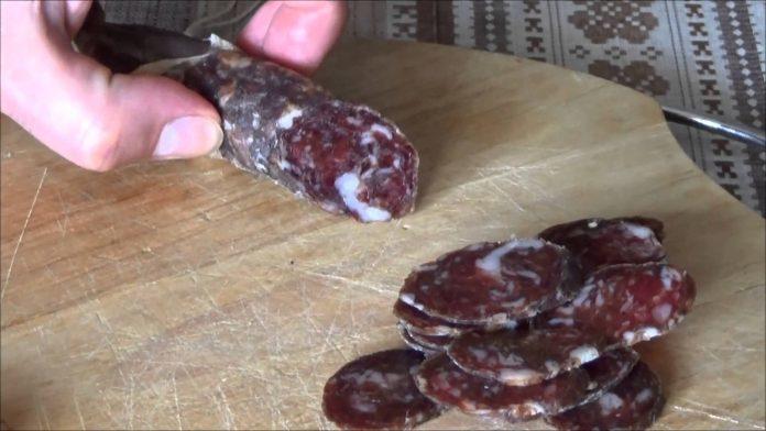Рецепт на вес золота: Московская сырокопчёная домашняя колбаска