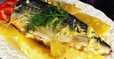 Скумбрия запечённая в духовке с картофелем и сыром