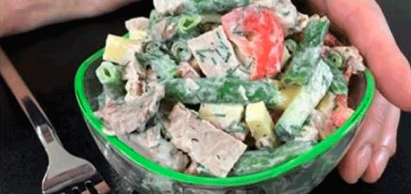 Мясной салатик «Любимчик»: сытный салат с необычным вкусом