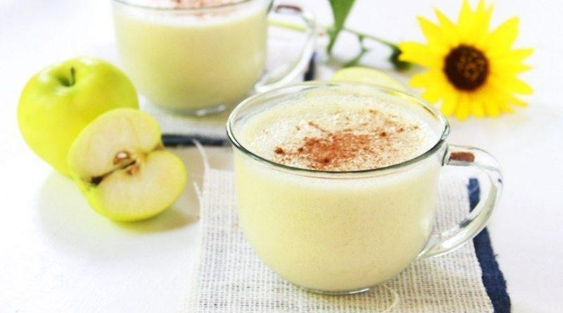 Вечерний яблочный коктейль с кефиром