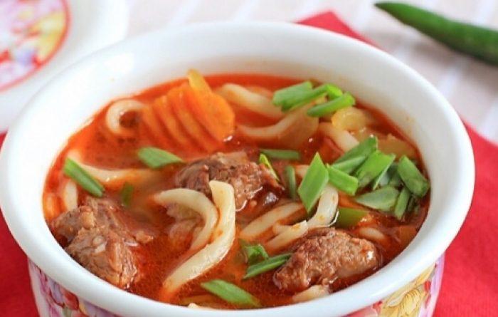 Вкусный суп с лапшой и бараниной «Кесме»