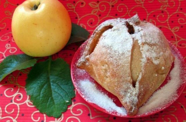 """Яблочная шарлотка в творожных """"платочках"""""""