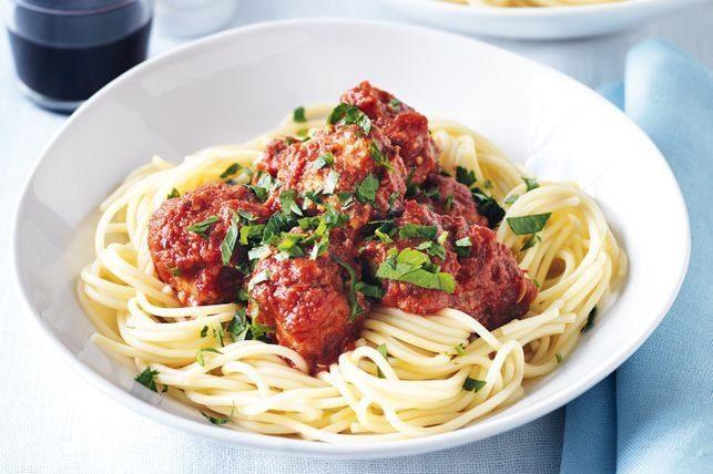 Спагетти (с шариками из тунца)