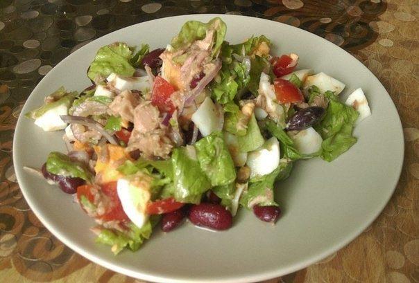 Салат с тунцом «по-домашнему»