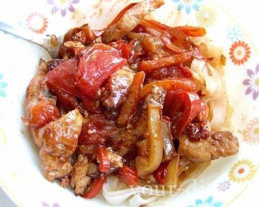 Куриное рагу с помидорами и перцем
