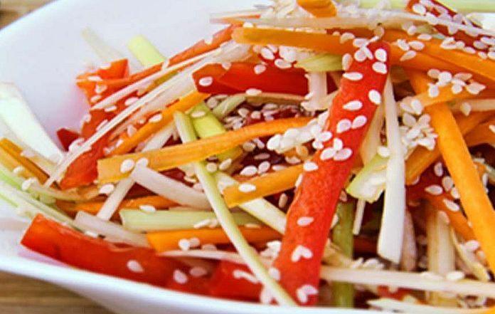 Салат из дайкона и моркови по-корейски