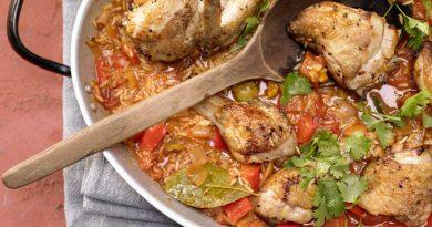 Тушеный рис (с курицей) по-испански