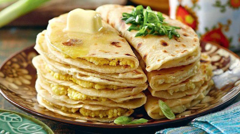 """Лепёшки """"Кыстыбай"""" (с пшённой кашей и картошкой с луком) на завтрак"""