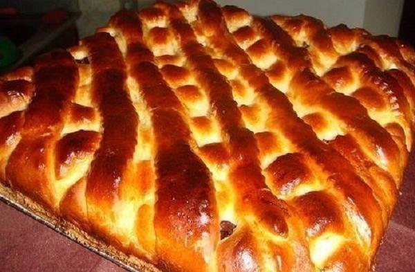 Милашино тесто. Готовлю из него что угодно — пироги, батоны, сосиски в тесте, булочки, плюшки.