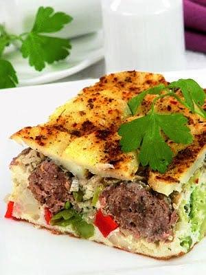 Запеканка картофельная (с фрикадельками)