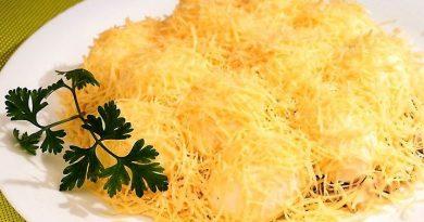 Невероятно вкусный салат «Рафаэлло»