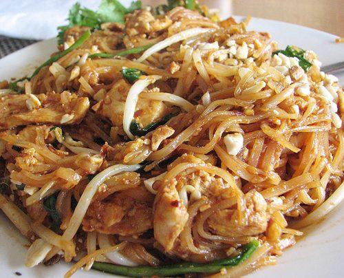 Тайская лапша с курицей