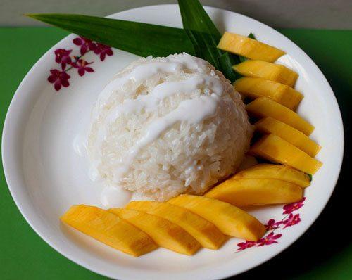Манго с рисом в кокосовом молоке