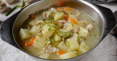 Грибной суп с курицей и плавленым сыром
