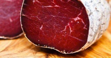 Брезаола — итальянская вяленая говяжья ветчина
